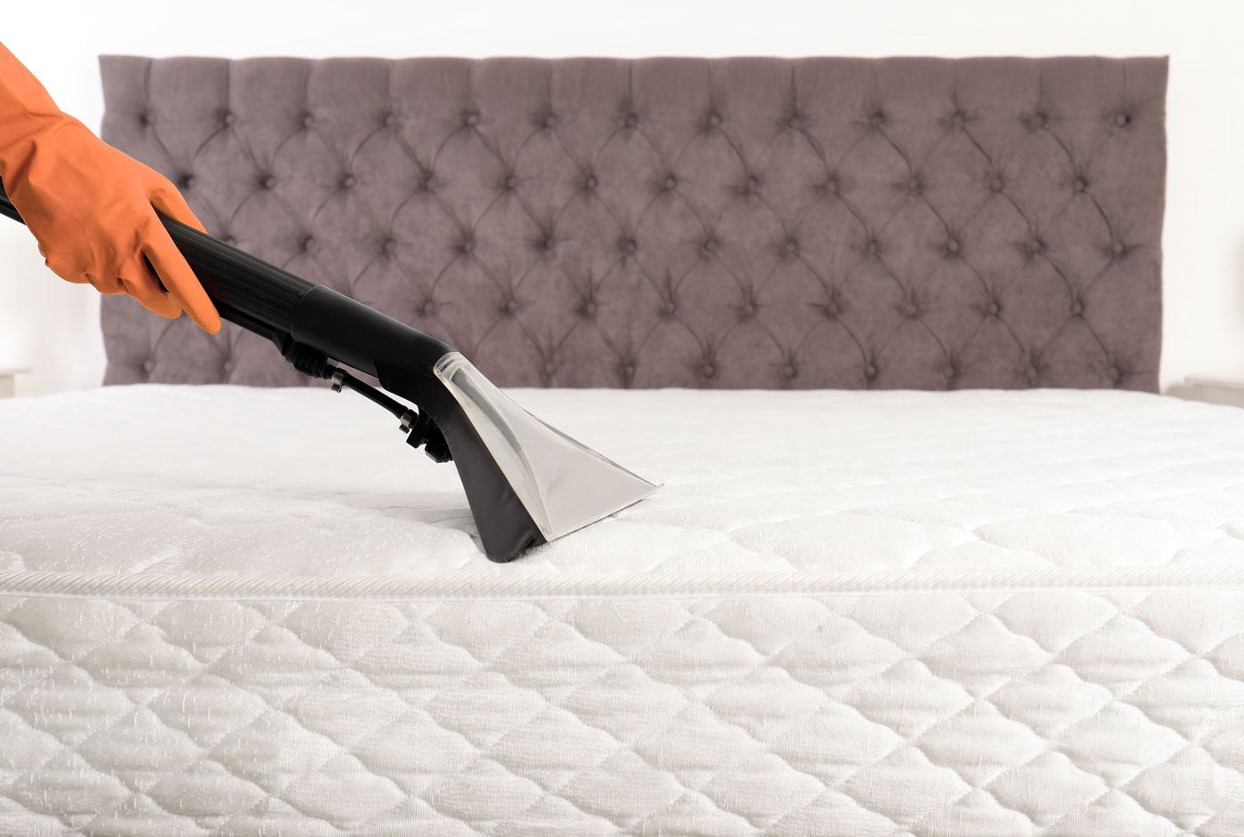 Mattress cleaning method